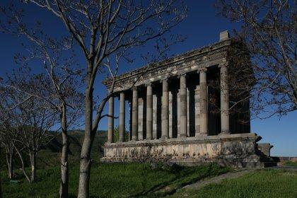 garni_pagan_temple2