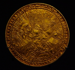 germanic_bracteate_from_funen_denmark_dr_br42