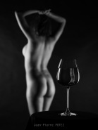 In Vino Feminitas