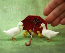 miniature_pekin_duck_family_sculptures_by_pajutee-d7m7yl7