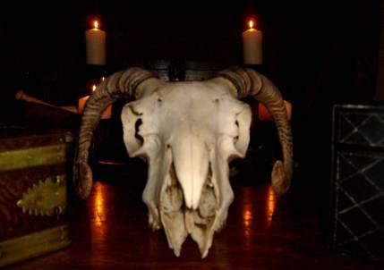 ritual_pagan_alter
