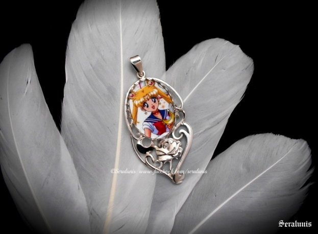 sailor_moon__handmade_sterling_silver_pendant_by_seralune-d9dsbql